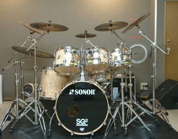 Aスタジオのドラムセットを紹介